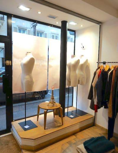 avant boutique mouton duvernet paris entree podium kaizo studio architecte interieur paris bourg la reine web