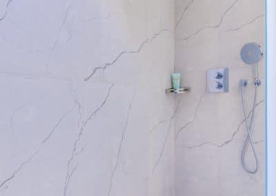 renovation appartement quai montebello paris salle de douche kaizo studio architecte interieur paris bourg la reine web
