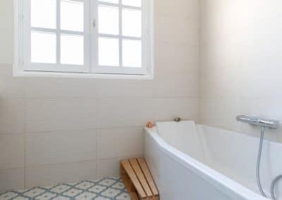renovation maison georges clemenceau maisons alfort etage salle de bain baignoire kaizo studio architecte interieur paris bourg la reine web