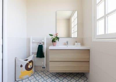 renovation maison georges clemenceau maisons alfort etage salle de bain meuble vasque panier 3 sprouts kaizo studio architecte interieur paris bourg la reine web