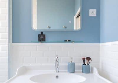 renovation maison georges clemenceau maisons alfort etage salle de douche meuble vasque detail kaizo studio architecte interieur paris bourg la reine web