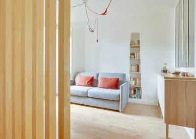 renovation studio pyrenees paris detail claustra sejour canape vibieffe kaizo studio architecte interieur paris bourg la reine web