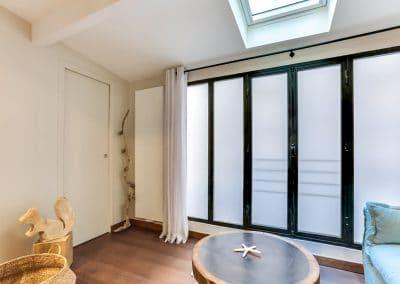 transformation atelier en appartement aboukir paris chambre dami baies vitrage translucide kaizo studio architecte interieur paris bourg la reine web