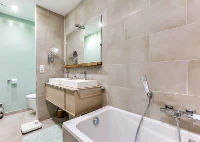 transformation atelier en appartement aboukir paris salle de bain inspiration ofuro double vasque baignoire wc kaizo studio architecte interieur paris bourg la reine web