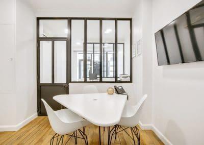 transformation boutique agence immobiliere mouton duvernet paris bureau salle de reunion table sur mesure kaizo studio architecte interieur paris bourg la reine web