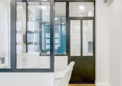 transformation boutique agence immobiliere mouton duvernet paris detail verriere porte kaizo studio architecte interieur paris bourg la reine web