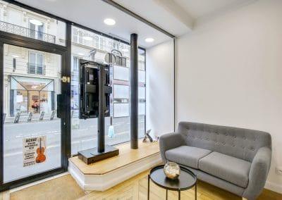 transformation boutique agence immobiliere mouton duvernet paris entree podium kaizo studio architecte interieur paris bourg la reine web
